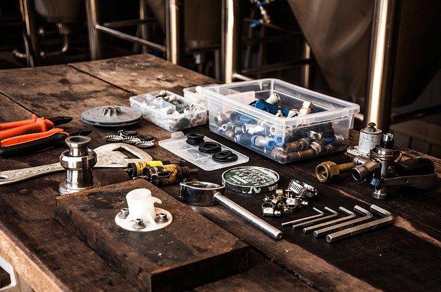 Quels sont les outils de travail du plombier ?